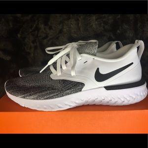Nike Women's Odyssey React 2 Flyknit Size 7 NIB